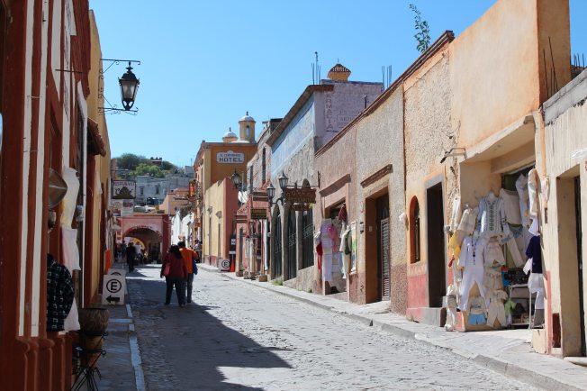 mexican-town-mexico-street-566112